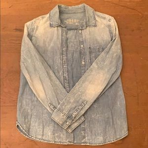 Distressed Gap Jean Shirt